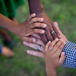 mãos família