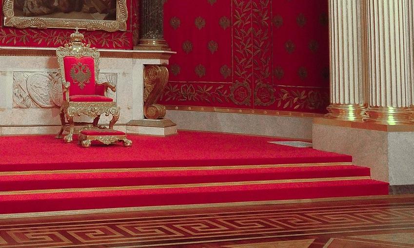 Deus está no trono