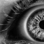Aliança com os olhos